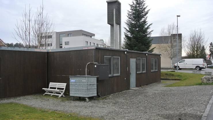 Fast 30 Jahre auf dem Buckel: Die Pavillons bei der Guggerwiese sind altersschwach und marode. Az-Archiv/ces