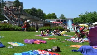 Die Mehrheit der Bremgarter wünscht, dass das Hallen- und Freibad Isenlauf zu Kosten von 6 Millionen Franken saniert wird.