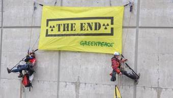 AKW-Stilllegung gefordert: Greenpeace-Aktivisten demonstrieren in Beznau