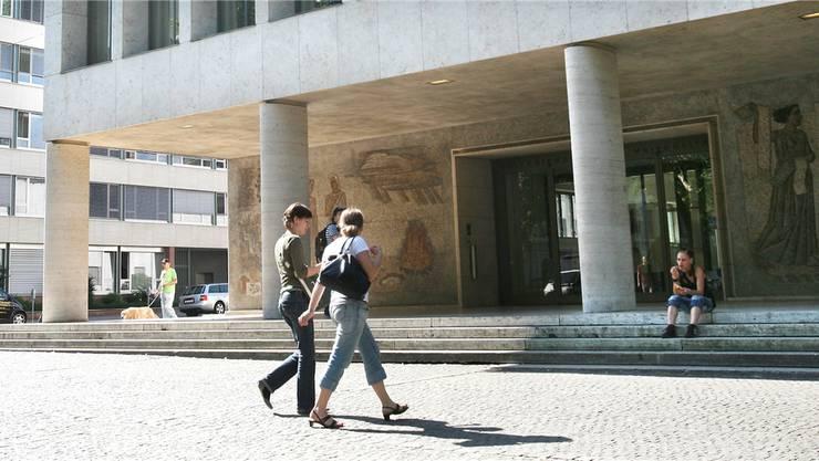 Die Zukunft der Universität Basel steht zur Debatte.