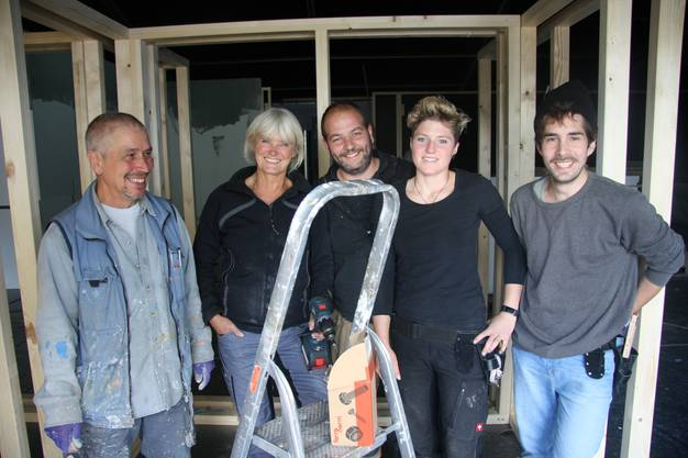 Aufgestelltes Team (v. l.) Peter Steinmann, Liliane Herzog, Philipp Kaufmann, Sofie Hofmann, Mattania Bösiger. Es fehlt Konrad Mazanovski