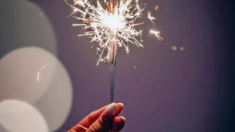 Haben 2019 für leuchtende Momente gesorgt: Kometen, Nobelpreisträger, Stars und Sternchen.