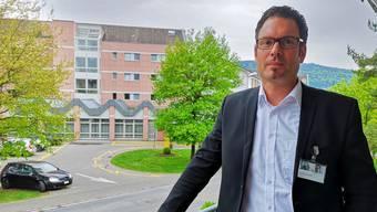 Daniel Schibler, Direktor des Spitals Menziken, will die Krankenkassen in die Pflicht nehmen.
