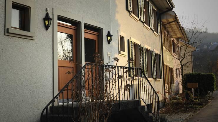 Doppeltür-Haus mit zwei Türen in Endingen.
