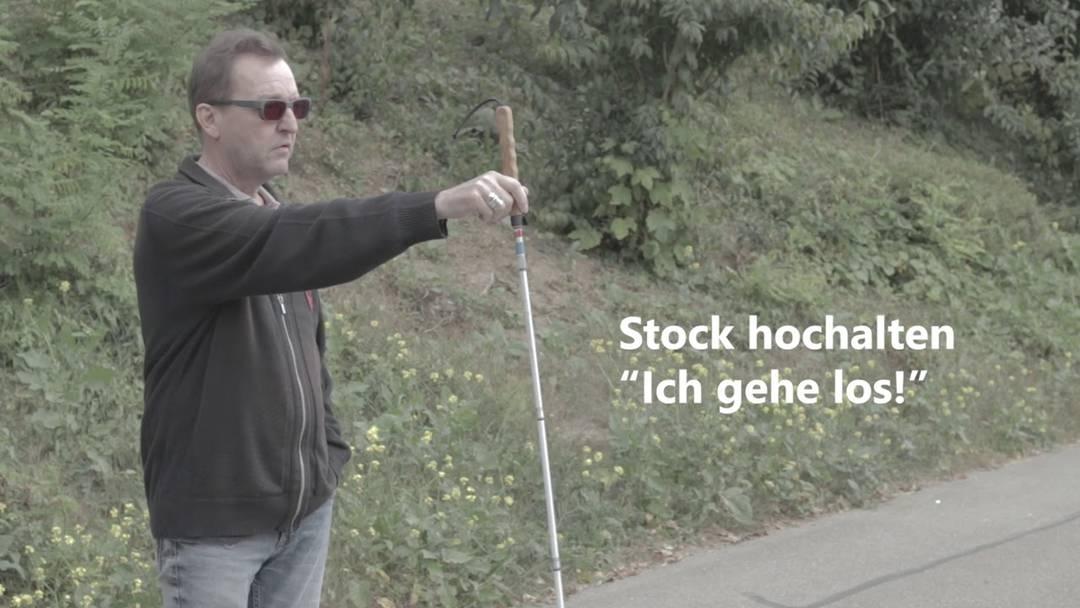 Blinde im Strassenverkehr: Hilf mit, dass Blinde gesund nach Hause kommen.