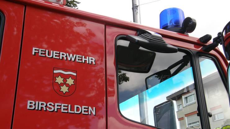 """Am 2. April veranstalten Feuerwehrverein und Feuerwehr den Birsfelder Banntag. Am Abend gibt's im Flugplatz-Hangar ein Volksfest und die """"Dief-Flieger"""" spielen auf."""