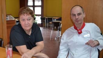 In der «Soldatenstube»: Marlies Moser und Kaj Jannasch sind verständlicherweise enttäuscht