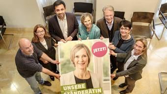 Bekennen sich zu Maya Graf (Mitte): (v.l.) Marcel Zimmermann (BDP), Giovanna Lanza (CVP), Adil Koller (SP), Uni-Professor Paul Burger, Elisabeth Augstburger (EVP) und Denise Buser (BDP).