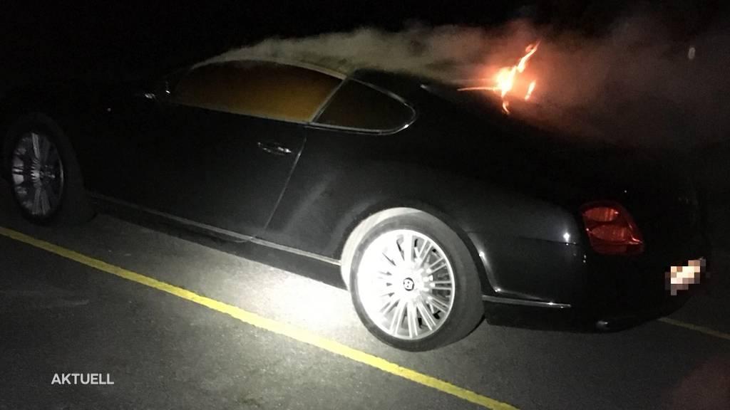 Brandstifter fackelt in Menziken Luxus-Auto ab