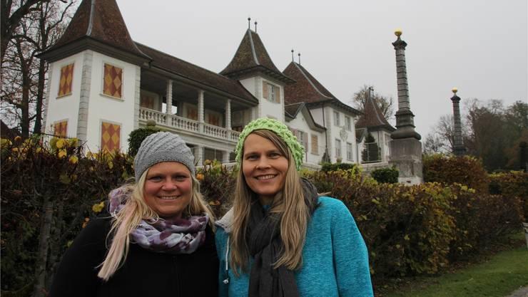 Nachdem die Organisatoren letztes Jahr das Aus dieses Anlasses verkündeten, haben Nicole (links) und Mirjam Binz das Zepter übernommen und organisieren die Weihnachtsausstellung im Schloss Waldegg.