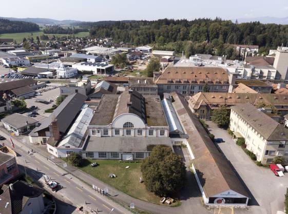 Langenthal erhält den diesjährigen Wakkerpreis für seinen Umgang mit dem baulichen Erbe der Industriegeschichte. Hier im Bild das «Porzi»-Areal in Langenthal. (KEYSTONE/Gaetan Bally) ..