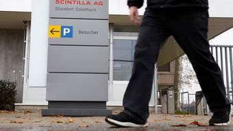 Der Haupteingang zum Firmensitz in Zuchwil.