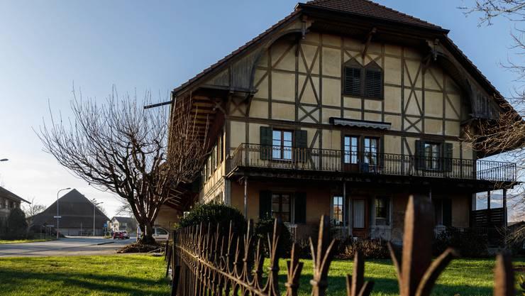 Im Dorfteil Lüsslingen werden die bebauten Flächen der früheren Bauernhöfe an der Hauptstrasse von der Landwirtschafts- in die Bauzone umgezont.