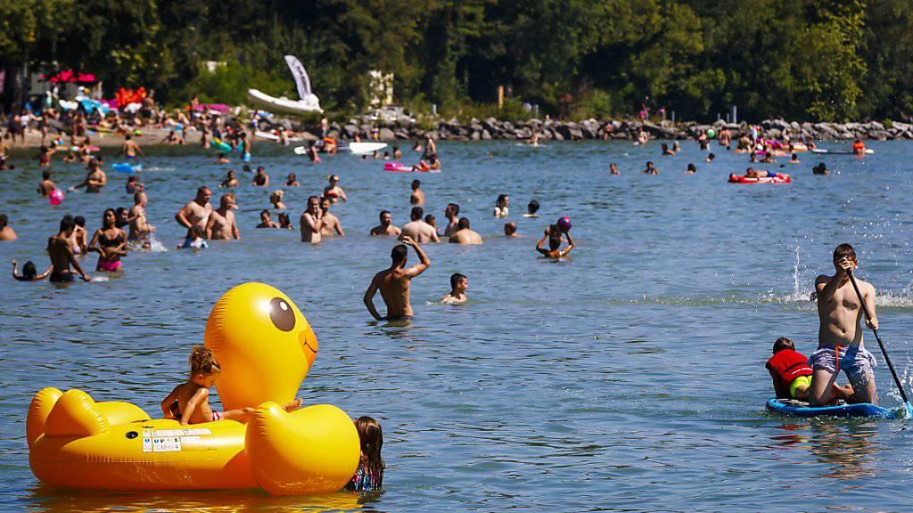 Ein heisser und sonniger Sommer geht diesen Freitag zu Ende. (Archiv)