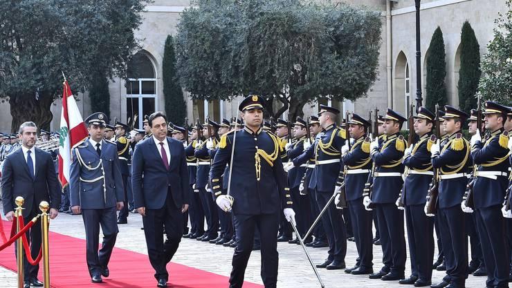 Ministerpräsident Hassan Diab hat eine neue Regierung ernannt. (Bild: Keystone)