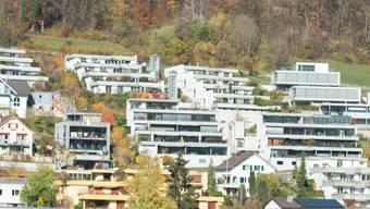 Das Ortsbild leide unter den Terrassenhäusern, so der Gemeinderat. (Archiv)