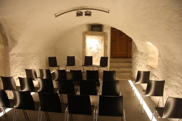 Nun landet der Geigenbauer einen Theatercoup. Im Keller bietet er Platz für Veranstaltungen.