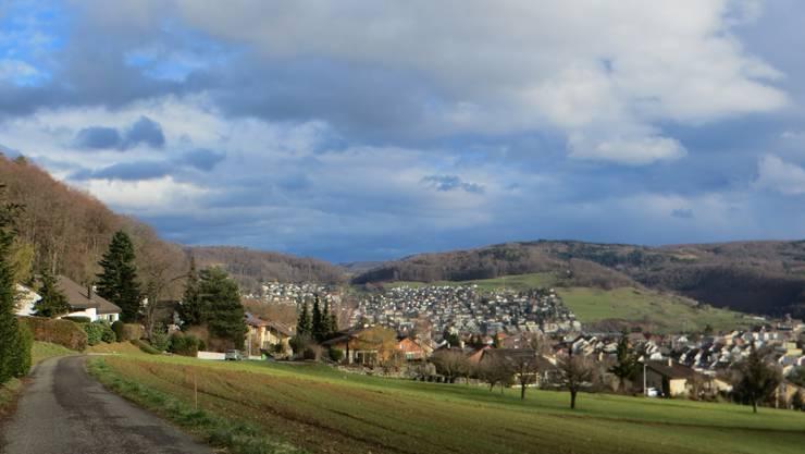 Der wunderschöne Blick oben vom Dreispitz auf Frenkendorf und Füllinsdorf