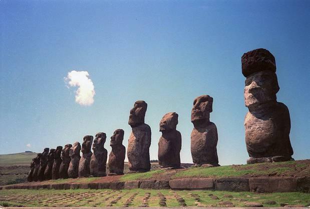 Wieso heisst die Osterinsel eigentlich Osterinsel? Die geheimnisvolle Insel vor Chile wurde vor fast 300 Jahren genau an einem Ostersonntag entdeckt. Daher kommt der Name.