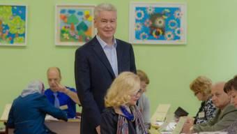 Siegessicher: Sobjanin bei der Stimmabgabe in Moskau