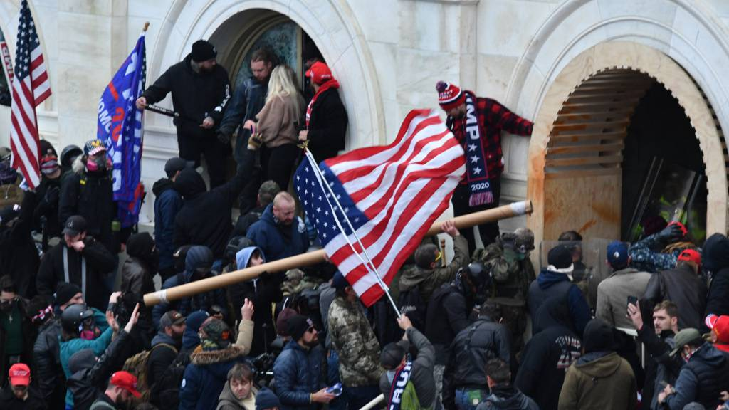 US-Polizei: Milizionäre wollen Kapitol bei Biden-Rede angreifen