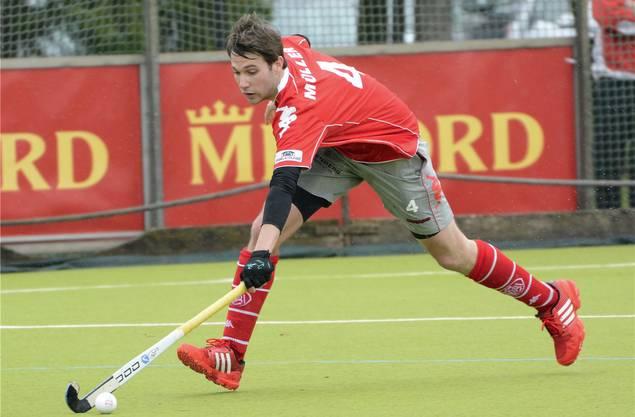 In Action: Seit er vier Jahre alt ist, spielt Patrick Müller Landhockey.