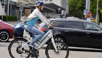 Die Geschwindigkeiten von E-Bikes werden im Strassenverkehr gerne unterschätzt.
