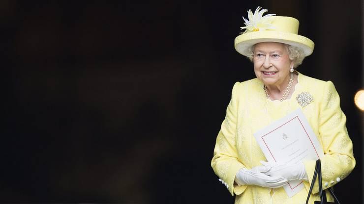 Auch das «gigeligääle» Kostüm rockt die Königin.