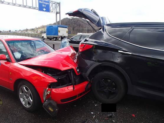 Der Sachschaden, der durch den Unfall entstand, ist beträchtlich.