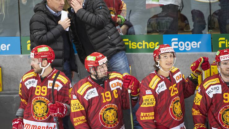 Rikard Franzén (links) lauscht dem Geflüster von Heinz Ehlers.