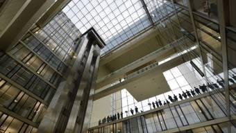 Hoch hinaus: Angestellte im Hauptquartier von ThyssenKrupp in Essen