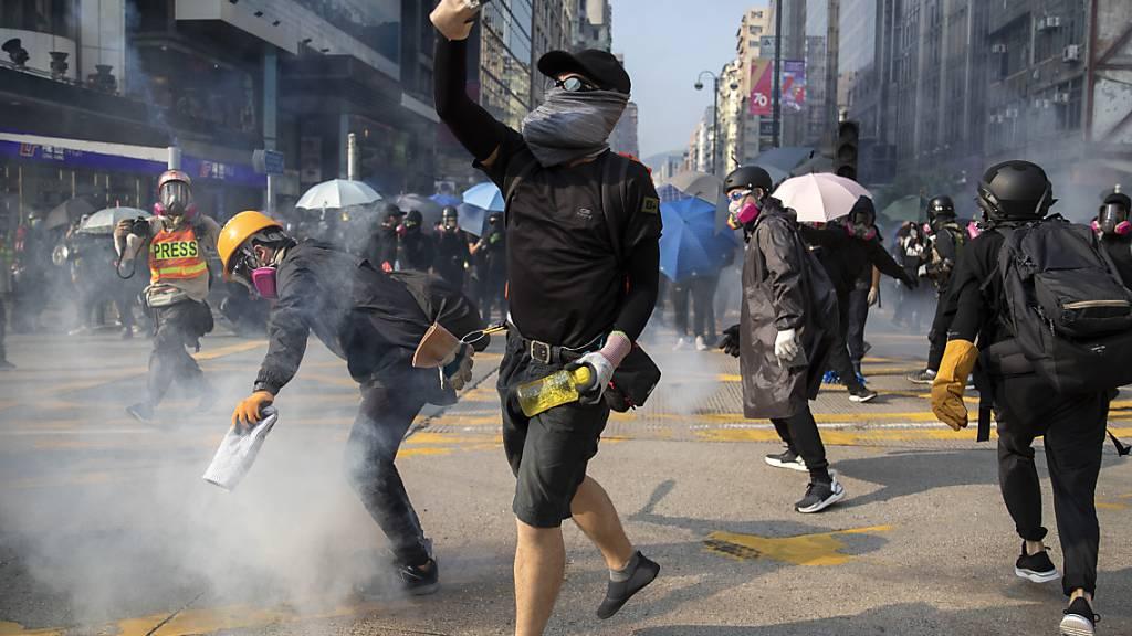 Hongkongs Wirtschaft rutscht in die Rezession