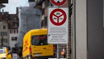 In der Altstadt ist der Güterumschlag (mit Autos) zu bestimmten Zeiten erlaubt – für Velos auch?