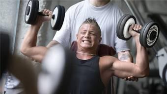 Muckis waren gestern: Fitnessstudios wollen vermehrt auf Frauen und «Gesundheitsbewusstsein» setzen.