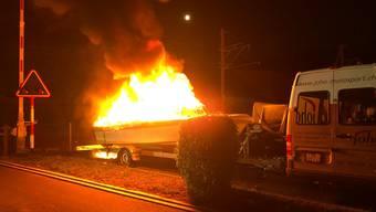 Bremgarten: Motorboot steht in Brand