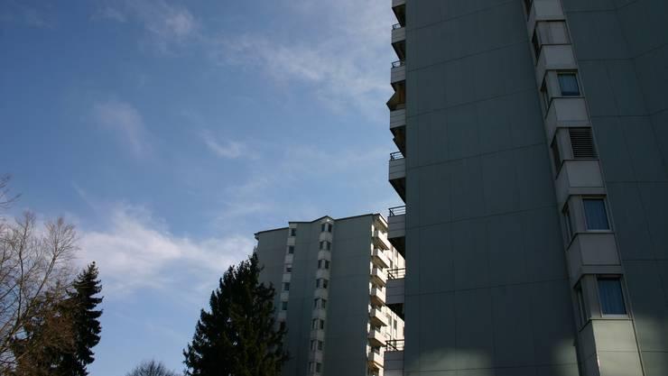 Rund um die beiden Wohnhochhäuser an der Zürcherstrasse wird es urban