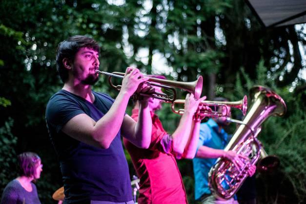 Mit Melodien aus dem Balkan begeisterten Molotow Brass Orkestar die Zuschauer