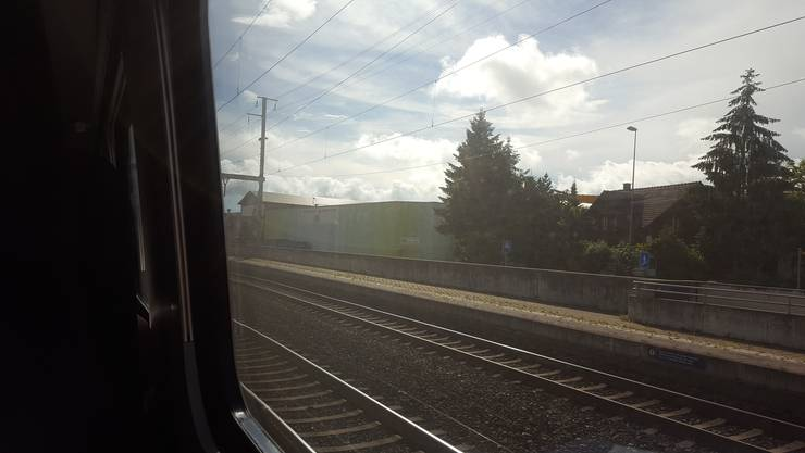 Am Wochenende fahren Personen- und Güterzüge nicht normal durch Rothrist. Die Züge werden über Burgdorf oder von Olten über Oensingen umgeleitet. (Archiv)