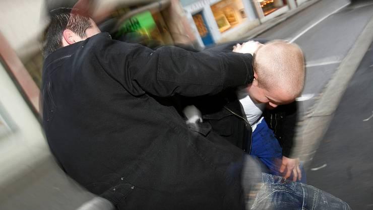 Gewaltbereit: In Suhr stellt man eine gesteigerte Gewaltbereitschaft fest. (niz)
