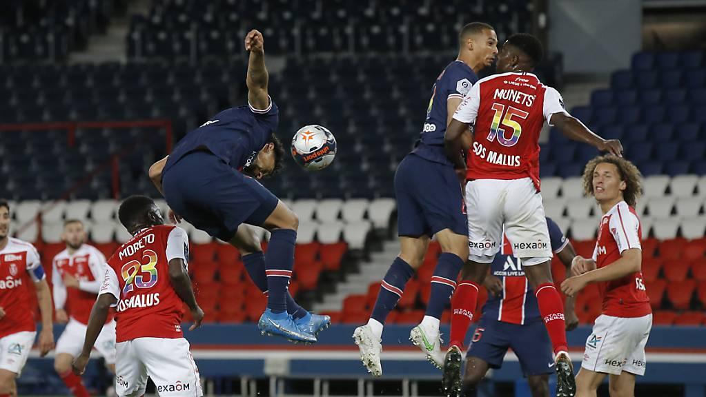 Die Pariser Marquinhos und Thilo Kehrer steigen eine Etage höher als die Gegenspieler von Reims