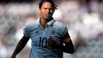 Deutschlands Starspielerin Dzsenifer Marozsan führt ihr Team mit dem Penaltytreffer zum 2:0 zum Gruppensieg