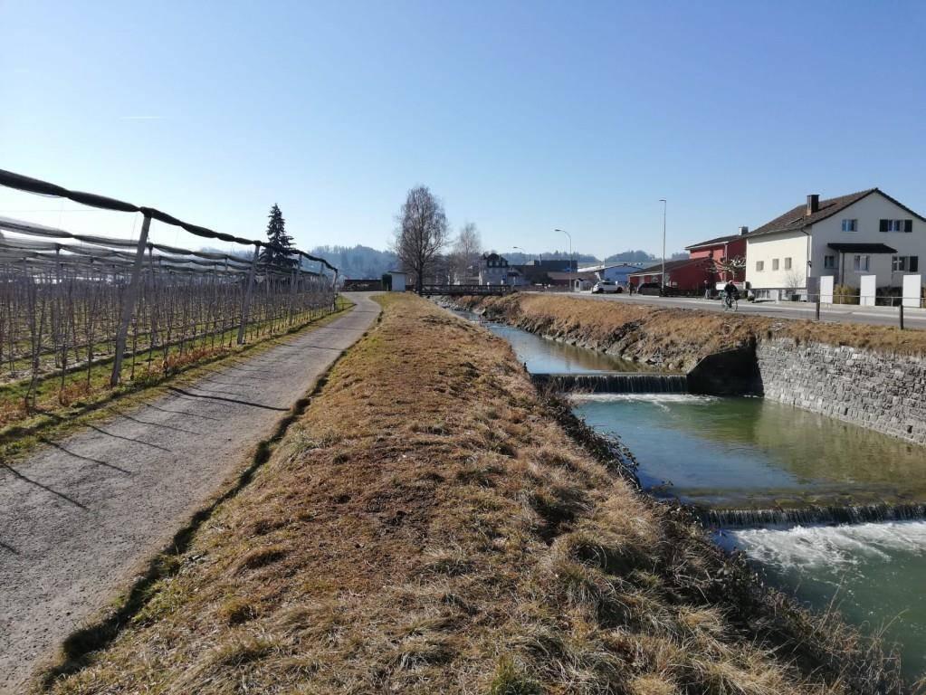 Der Fluss soll verbreitert werden.