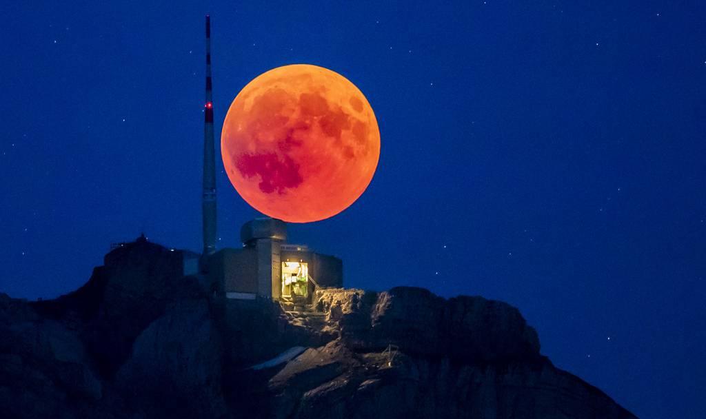 Längste Mondfinsternis Des Jahrhunderts Die Schönsten Bilder Vom