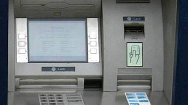Betrüger versuchten auch in Olten, über manipulierte Bancomaten an Karteninformationen zu kommen.