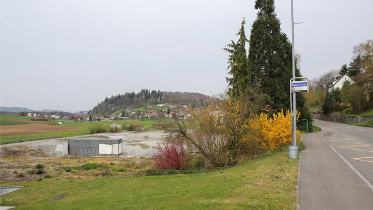 Das Jugendheim soll auf dem früheren Traitafina-Areal (links) entstehen