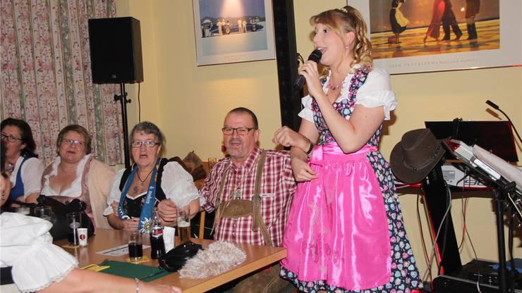 Grosses Fest des Dirndl- und Lederhosenclub mit Sängerin Michelle Ryser.