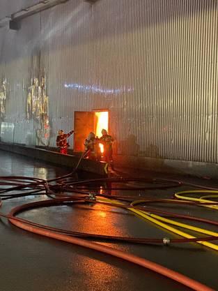 Die Brandherde lagen im Innern des Gebäudes.
