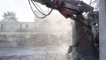 Auch wenn Abbruchmaterial nicht ganz so sorgfältig aussortiert wird, kann daraus tragfähiger Beton entstehen. (Archivbild)