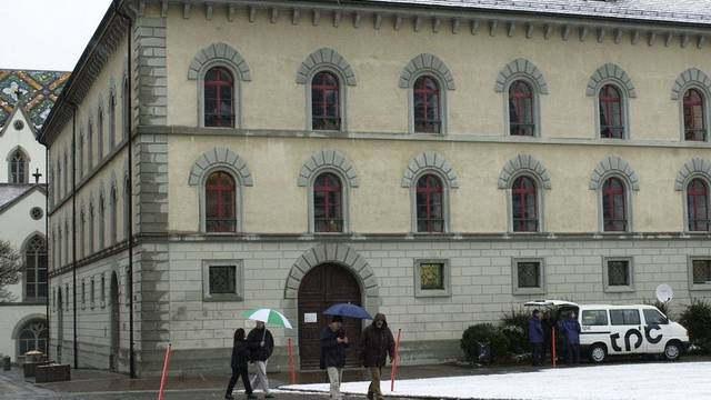 Gebäude, wo das St.Galler Kantonsgericht untergebracht ist: Der mutmassliche Täter bestreitet die Tat (Symbolbild)