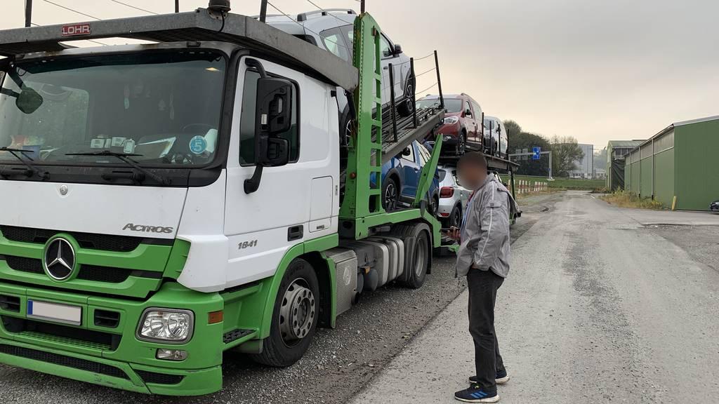 Lastwagen mit Mängel Grenzübergang Au